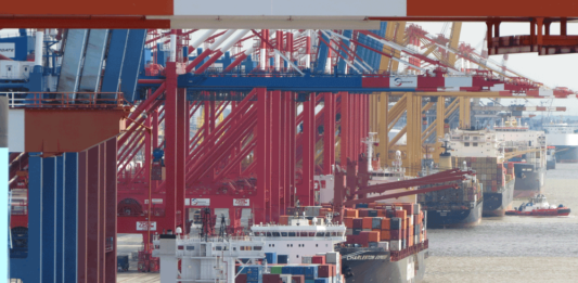Die bremischen Häfen haben den Umschlag stabil gehalten