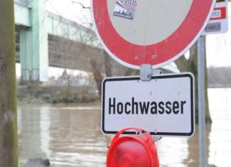 Wegen Hochwassers wurde die Schifffahrt auf dem Rhein bei Basel komplett eingestellt
