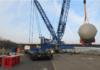 Im Alberthafen Dresden werden Wäremebehälter von einem Schubverband der deutschen Binnenreederei umgeschlagen