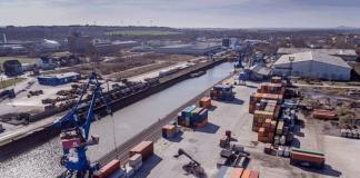 Im Hafen Riesa ist der Schiffgüterumschlag 2017 auf einen historischen Tiefstwert zurückgegangen