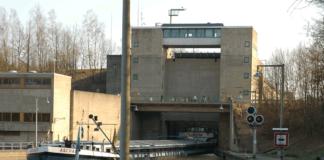 Die Schleuse Kriegenbrunn am Main-Donau-Kanal