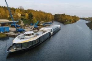 Das neue Aquacabrio ist auf der Schiffswerft Bolle zu Wasser gelassen worden