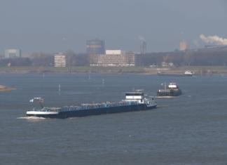 Der Rhein ist die meistbefahrendste Binnenwasserstraße Deutschlands