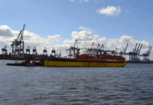 Carl Rober Eckelmann digitalisiert Barge-Transporte in Hamburg