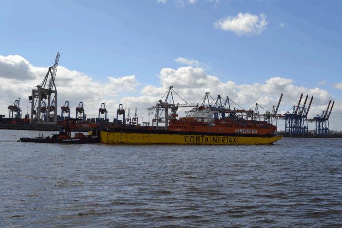 Carl Rober Eckelmann digitalisiert Barge-Transporte in Hamburg