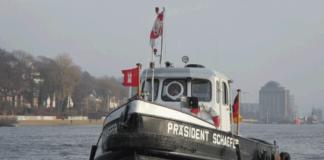 Die »Präsident Schaefer« auf der Elbe