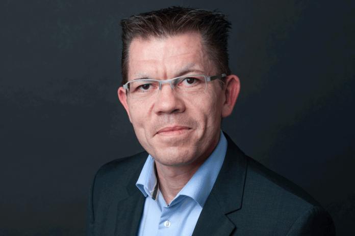 Tobias Paesch, neska