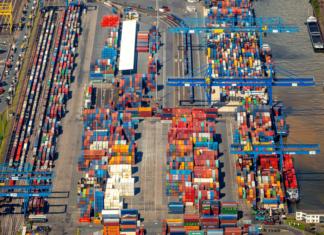 Duisburger Hafen geht zu den Binnenschiffern