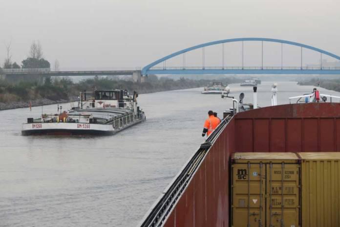 Begegnungsverkehre sind eine Herausforderung für automone Schiffe