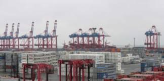 Die Stromkaje in Bremerhaven von der Landseite aus gesehen