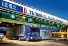 Ein großer Teil der Containertransporte auf den Terminals der HHLA im Hamburger Hafen erfolgt mittlerweile nachts