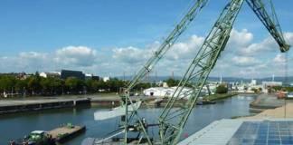 Mainz, Zollhafen, Liegestellen