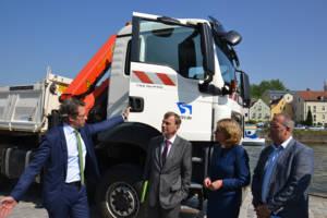 Von links: Bundesverkehrsminister Andreas Scheuer Prof. Dr.-Ing. Hans-Heinrich Witte; Präsident der GDWS Dr. Astrid Freudenstein, Abteilungsleiterin Z, BMVI Alexander Bätz, BPR