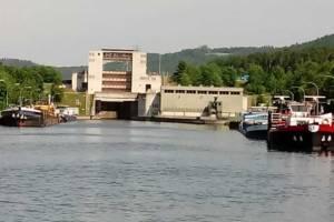 Mehr als 80 Schiffe sitzen nach dem Unfall in der Schleuse Riedenburg fest