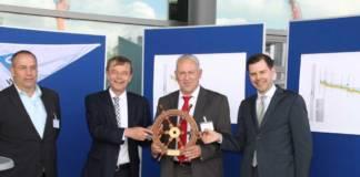 v.l.: Alexander Bätz (Bezirkspersonalrat), Prof. Hans-Heinrich Witte (Präsident GDWS), Albert Schöpflin (Leiter des WSA MSL), Michael Güntner (BMVI)