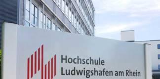Die Hochschule Lugwigshafen bietet ein Fernstudium Logistik an