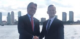 Emile Hoogsteden (l.), Vizepräsident des Rotterdamer Hafens, und der Rheinland-Pfälzische Verkehrsminister Volker Wissing machen sich für einen schnelleren Ausbau des Rheinkorridors stark