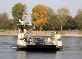 Die Fähre »Fritz Middelanis« dient als Verbindung über den Rhein