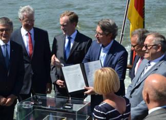 Scheuer Aktionsplan Niedrigwasser Rhein