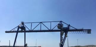 Der Containerkran von Künz in Zaandam steht. Das neue Terminal Hoogtij steht kurz vor der Eröffnung