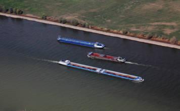 Luftbilder Wesel Binnenschiffe