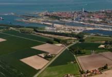 Die Schleusen in Terneuzen müssen auf dem Weg in den Gent-Terneuzen-Kanal passiert werden