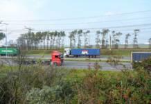 Täglich gibt es etwa 12.000 Kurzstreckentransporte per Lkw innerhalb des Rotterdamer Hafens