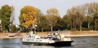 Die Rheinfähre »Fritz Middelanis« verbindet Köln und Leverkusen