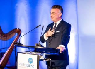 Christian Kullmann, Vorstandsvorsitzender von Evonik, stellte auf dem Schiffermahl der Schifferbörse klare Vorderungen an den Staat