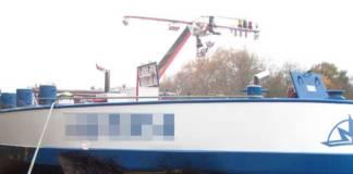 Der Tanker trug bei dem Zusammenstoß einen 2,5 m großen Riss in der Bordwand davon