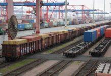 Container in Schüttgutwaggons von Hamburg nach Linz