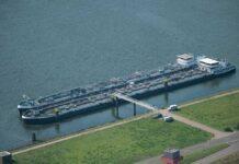 Gefahrgutschiffe ohne Abstand anlegen - geht das?