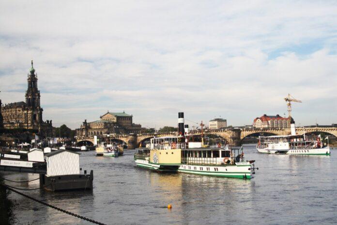 Weiße Flotte Dresden, Dampfschiffe, Dampfschifffahrt
